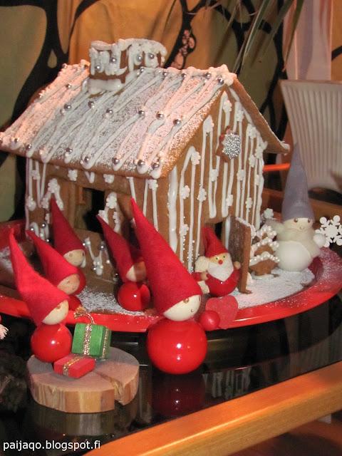 piparkakkutalo aarikka joulutontut