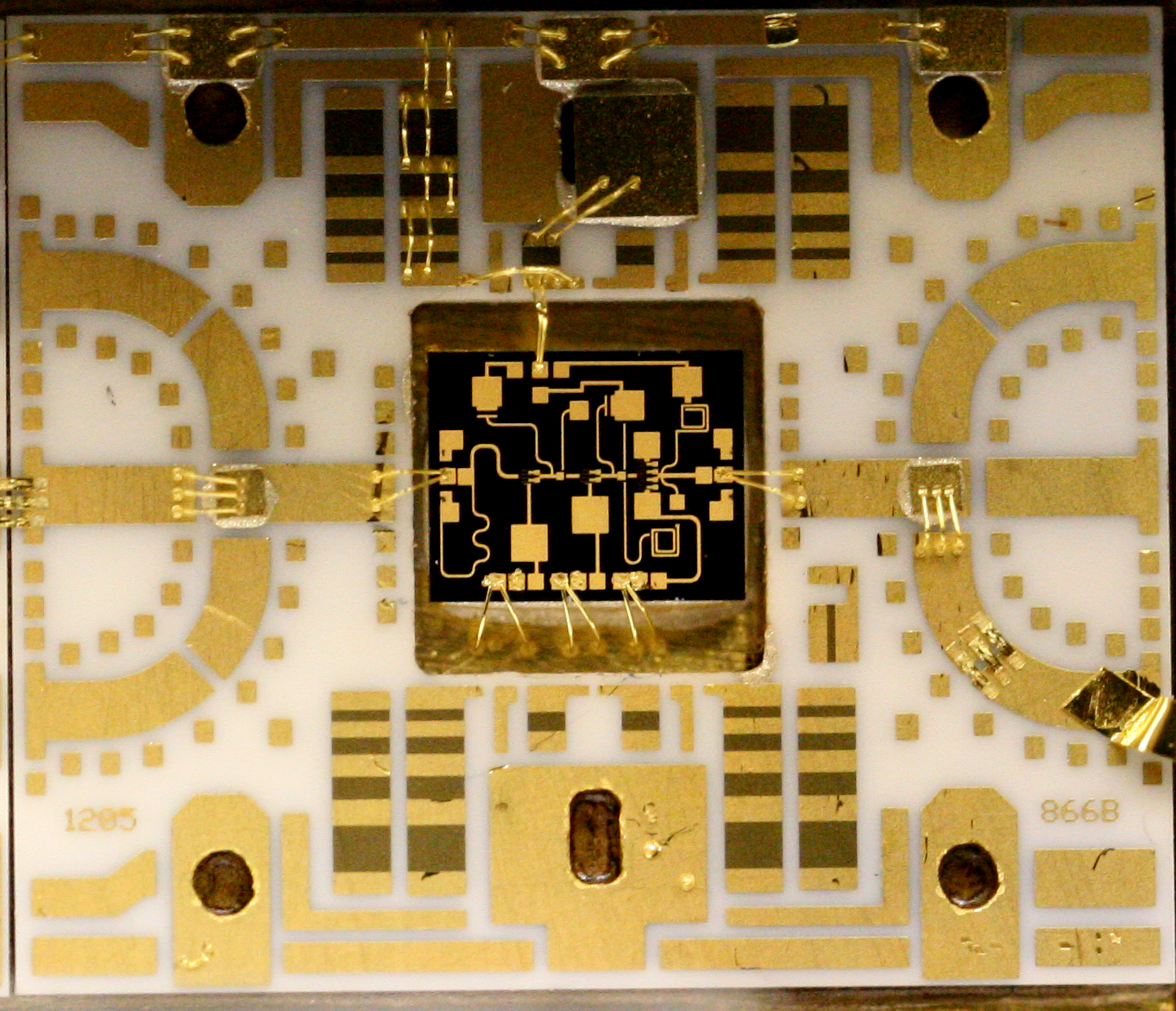 Some Detailed Images Of An Compact Microwave Amplifier Module Arrays