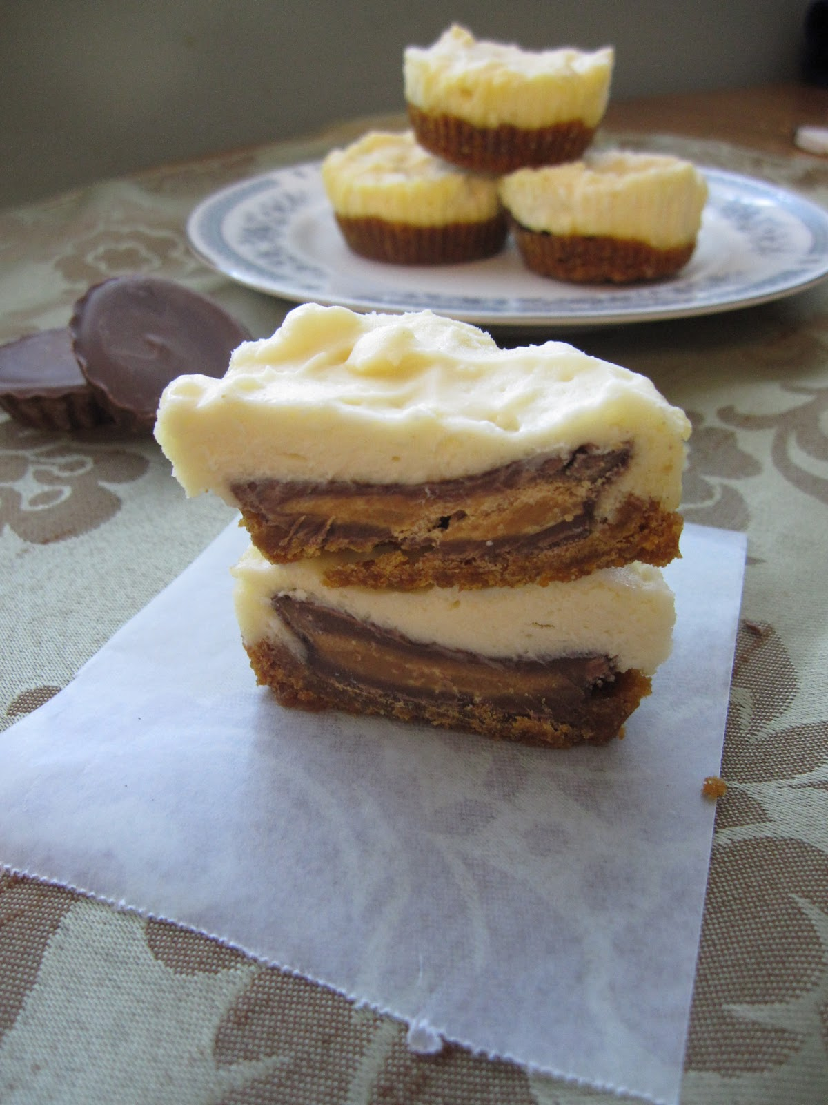 Taste of...: Mini Peanut Butter Cheesecake