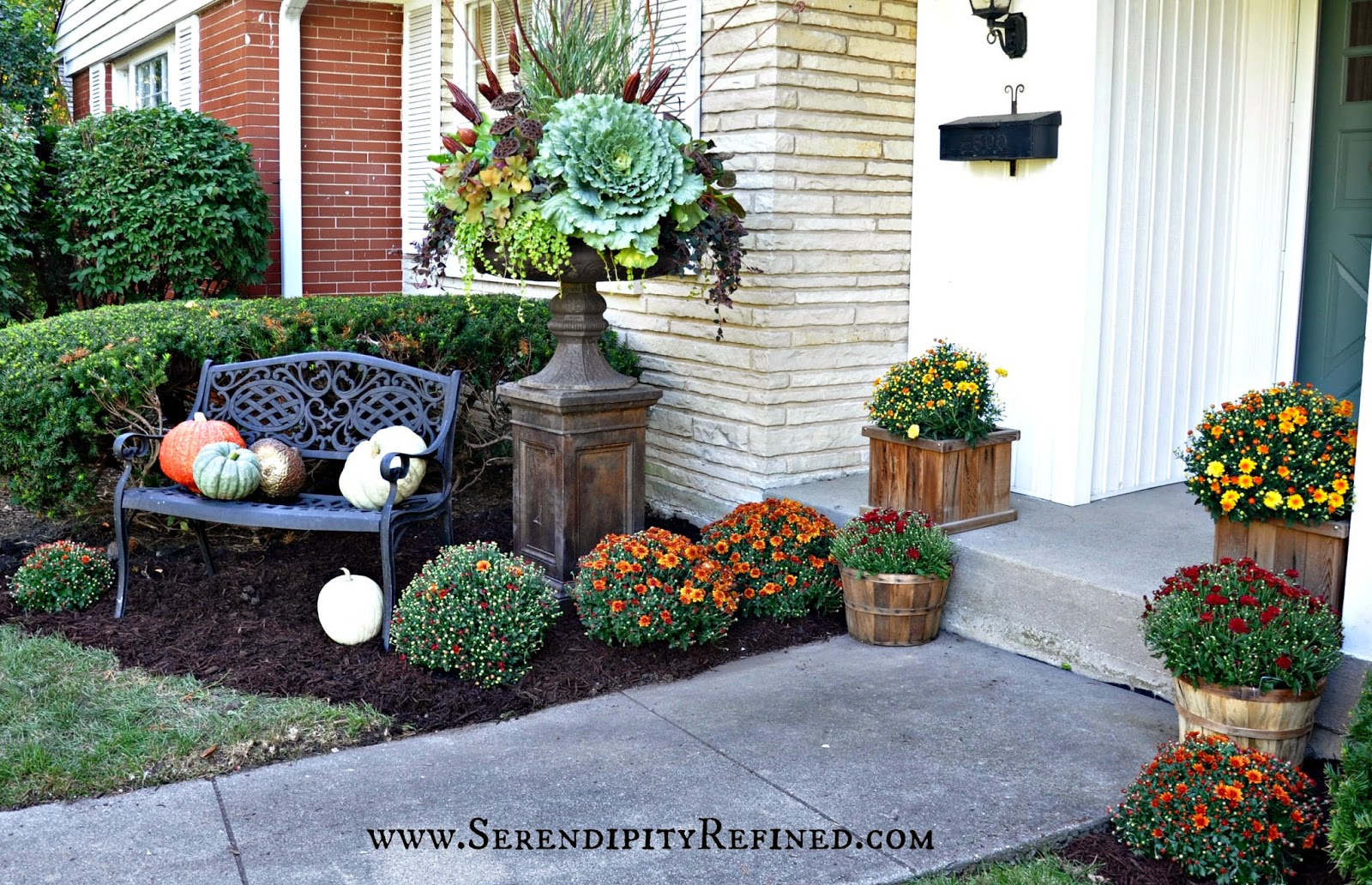 Fall front porch and fabulous urn planter fox hollow cottage for Front yard decor