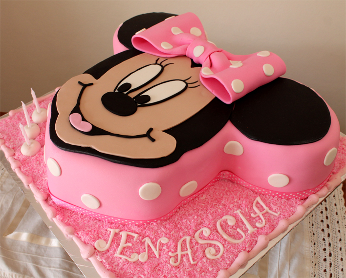 Delana S Cakes Minnie Mouse Cut Out Cake