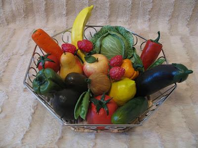 Из чего сделать овощи и фрукты своими руками из 17