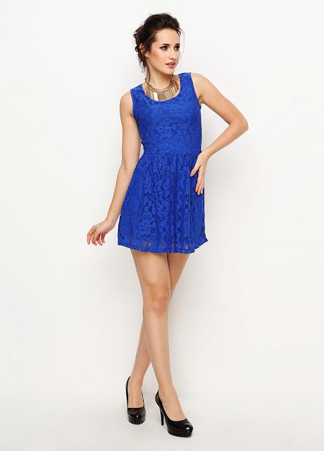 dantelli mavi kısa elbise