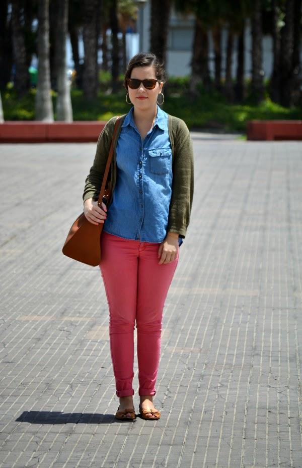 look_outfit_pantalón_rosa_camisa_vaquera_nudelolablog_03