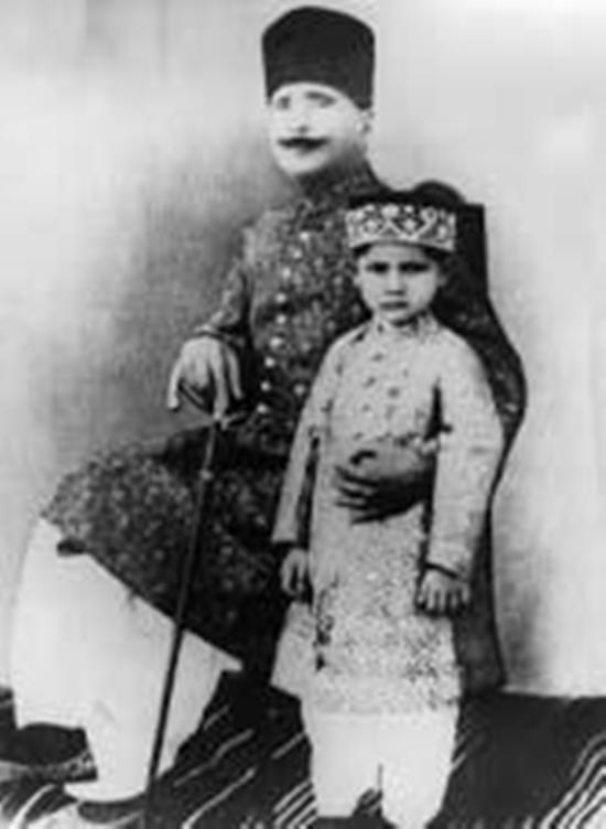 allama-iqbal-with-javed-iqbal
