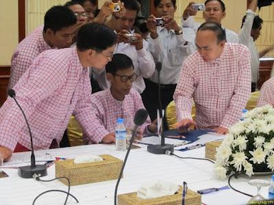 မြန္ျပည္သစ္ဥကၠဌက အက်ဥ္းသားမလႊတ္ေပးသ၍ ေမာ္လၿမိဳင္သို႔မလာ ဟုဆုိ – Yangon Press International
