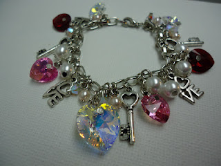 "The ""K""iss n' Love Bracelet"