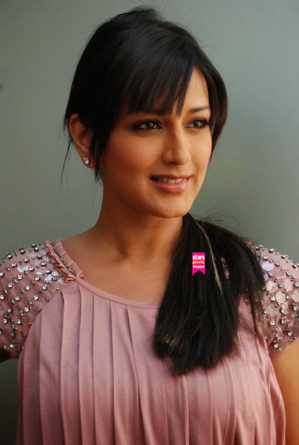 Sonali Bendre's Sizzling Photos   Cafe'zing