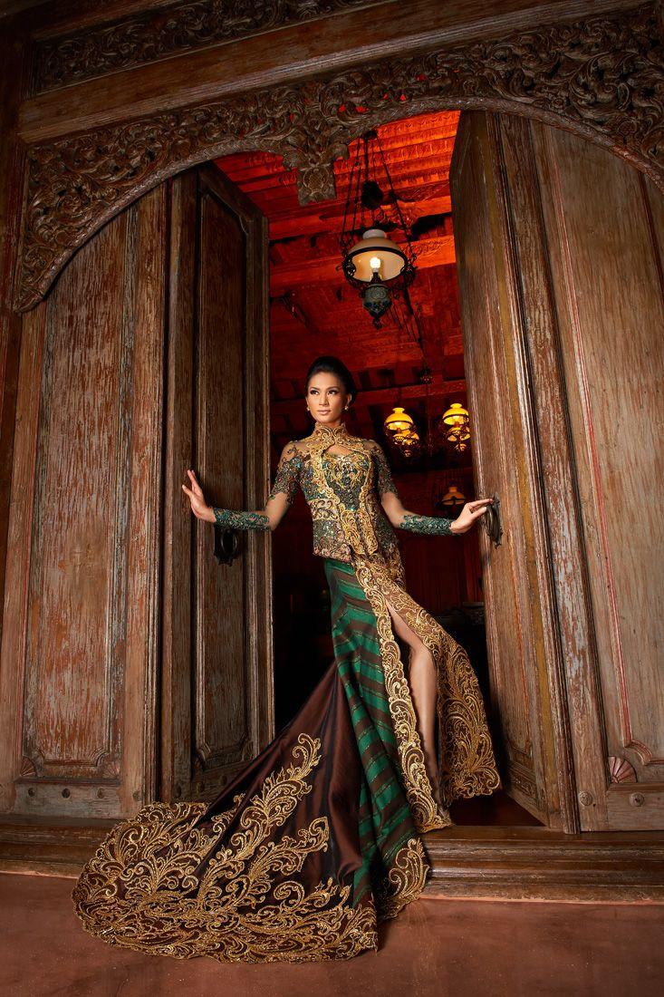 Model Kebaya Modern Klasik Mewah dan Elegan