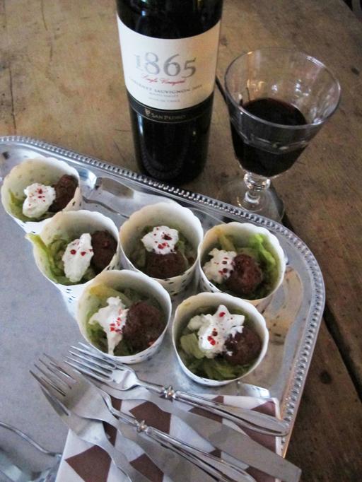Viiniä ja muffinssivuokia