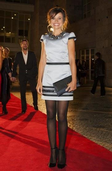 Dalila do Carmo vestido curto  cinzento