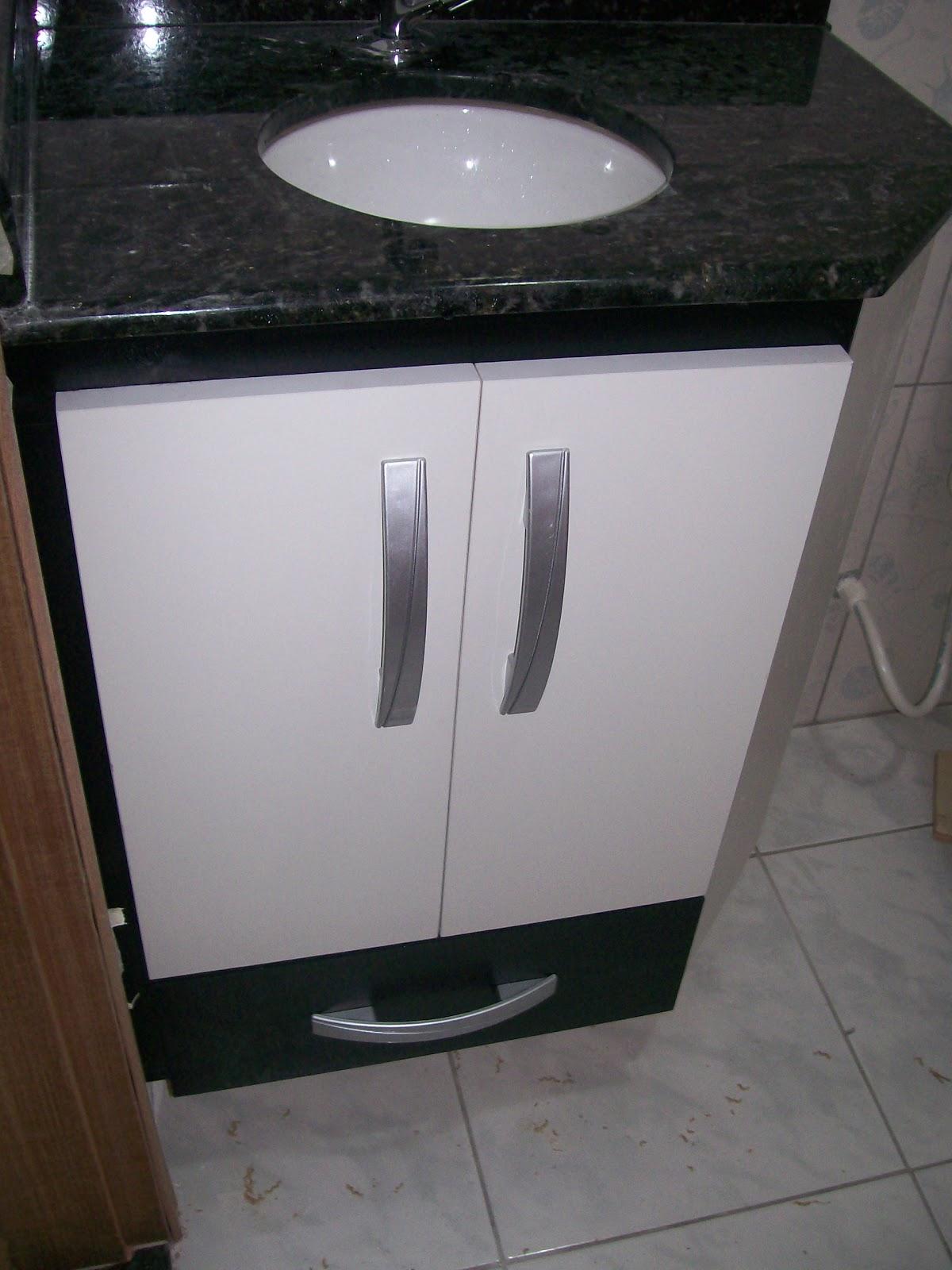 gabinete de pia para banheiro em mdf branco texturizado interno e  #5B4D47 1200 1600