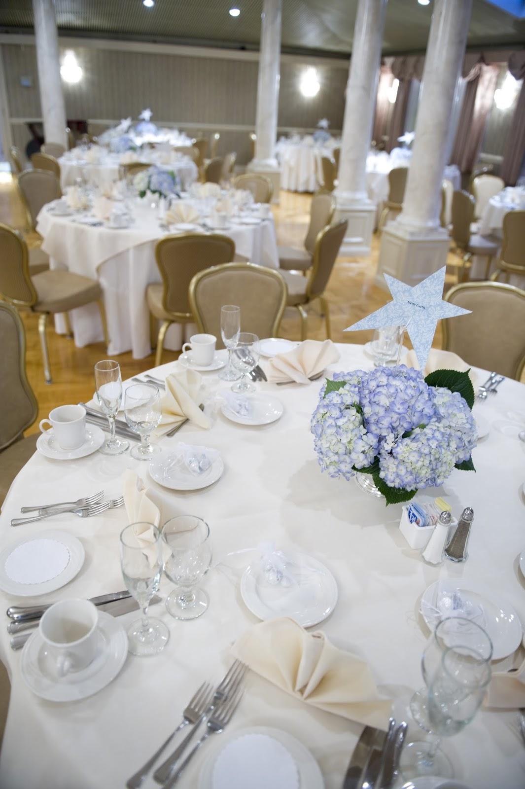 Le Bois Sucré: How to do chic wedding floral arrangements on a budget