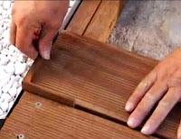 pemasangan lantai kayu taman