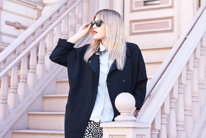 How to wear the pajama pants or pajamas as outerwear trend shown by Bryn Newman of Stone Fox Style in pajama trousers by zara and everlane loafers
