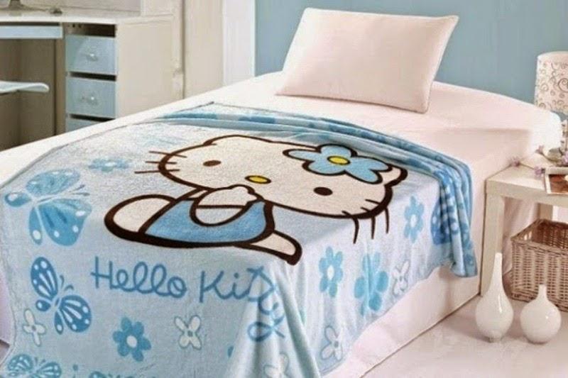 Kamar tidur hello kitty biru untuk anak perempuan