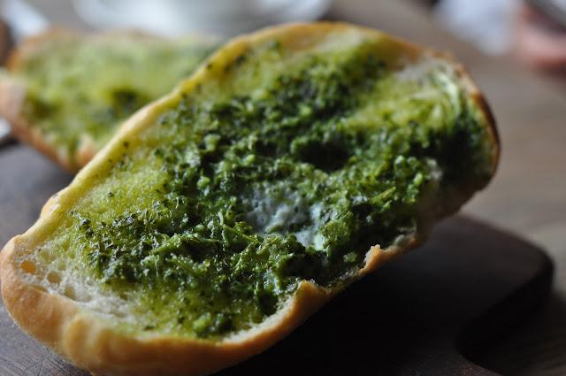 Pizza+East+review+Shoreditch+Tea+Building+garlic+bread