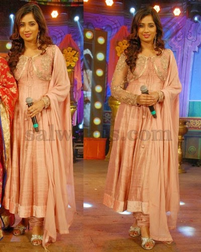 Shreya Goshal Peach Color Salwar
