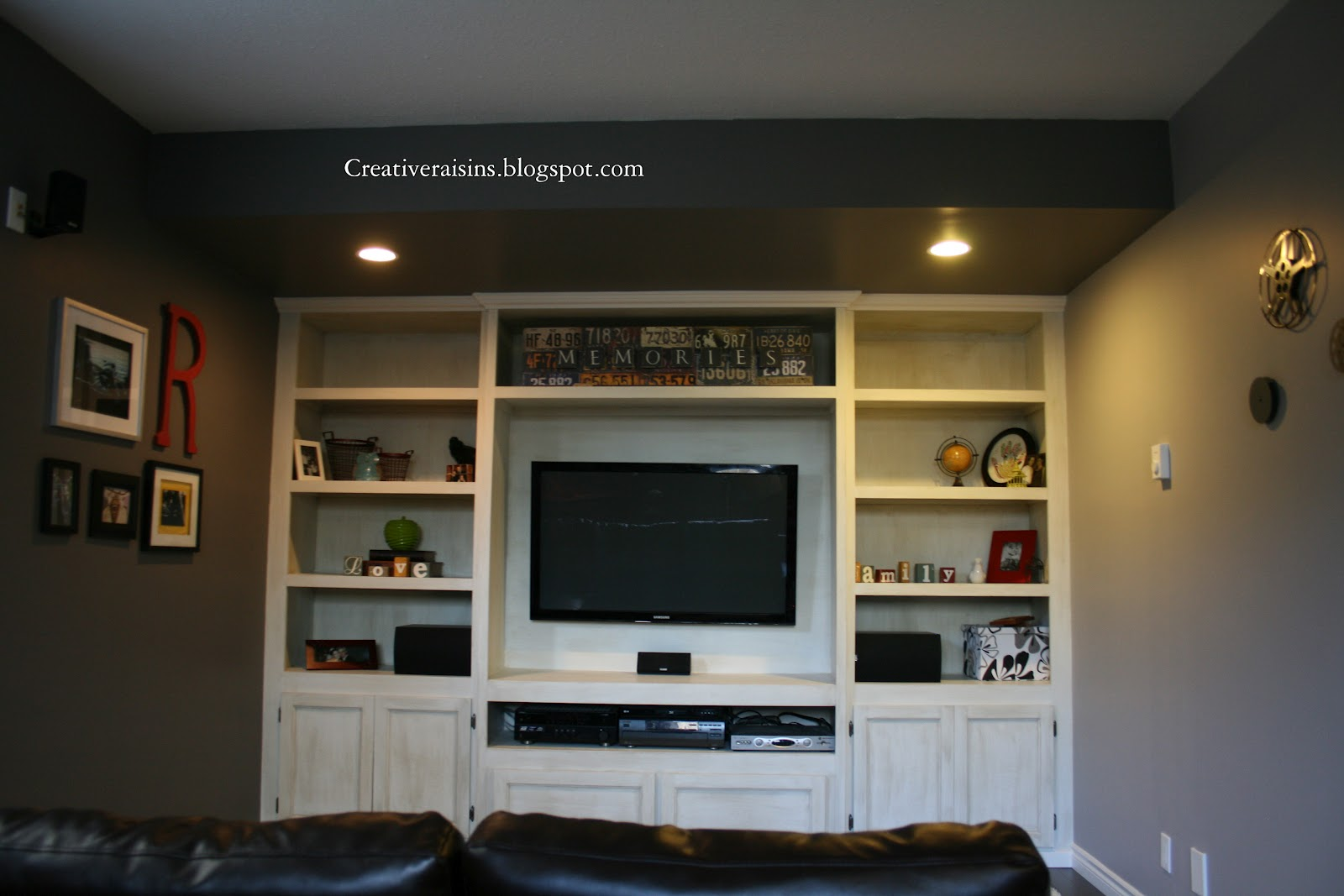 Creative raisins man room built in tv unit for Built in wall units