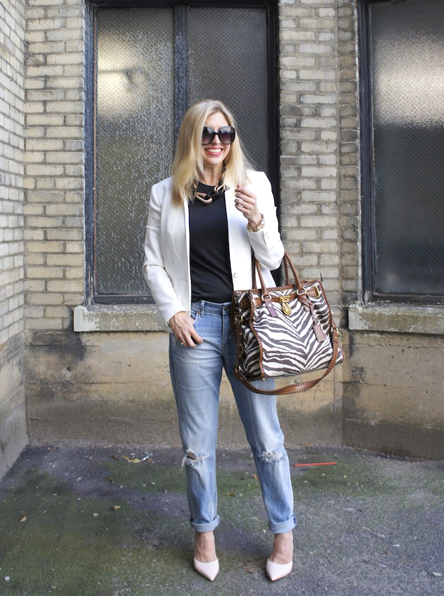H&M boyfriend jeans, gray tee, white H&M blazer