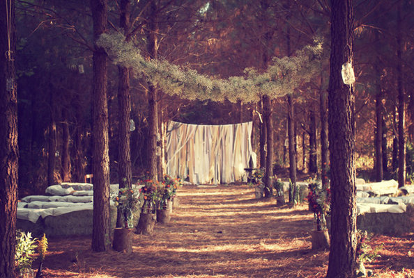 forest+wedding4 Hunger Games Wedding Inspiration