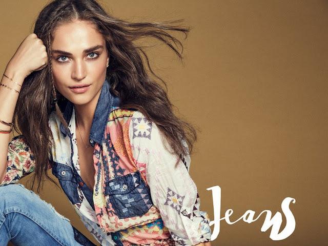 foto modella desigual exotic jeans