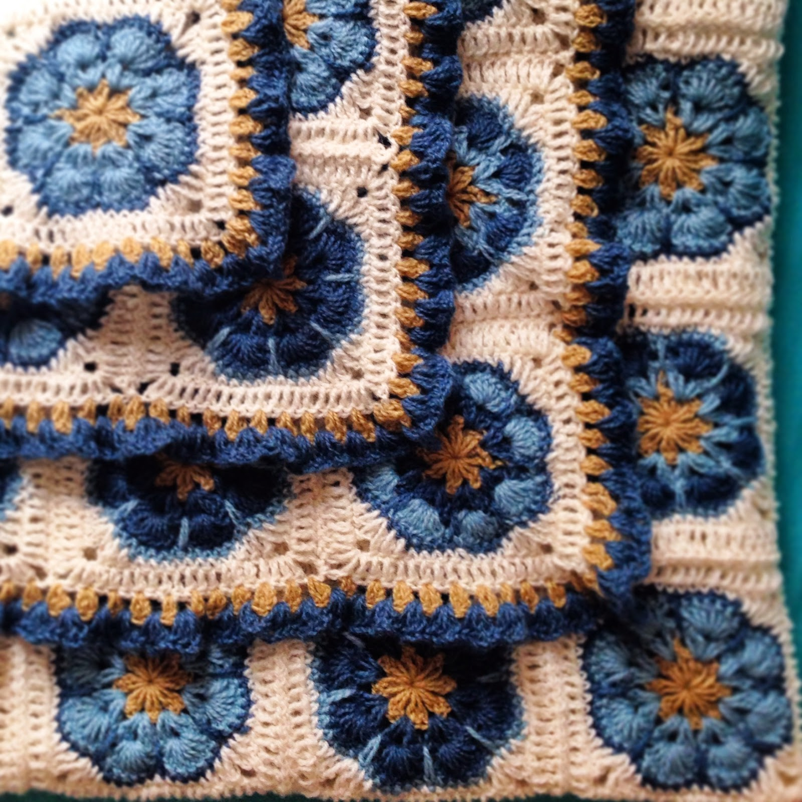 Вязание крючком цветы в квадрате пледы