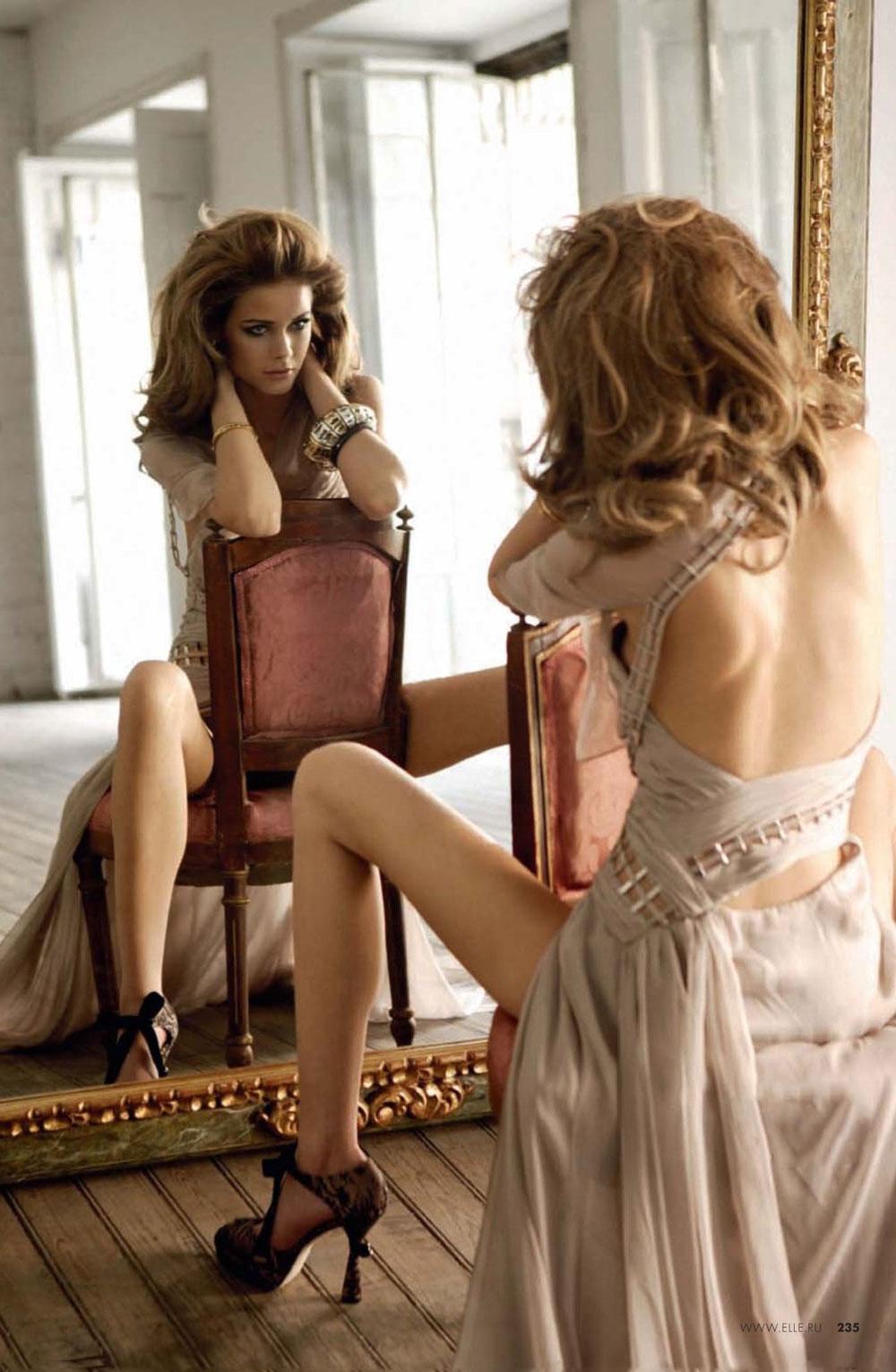 Flavia de Oliveira in Elle Russia November 2009 (photography: Mario Sierra, styling: Inmaculada Jimenez)