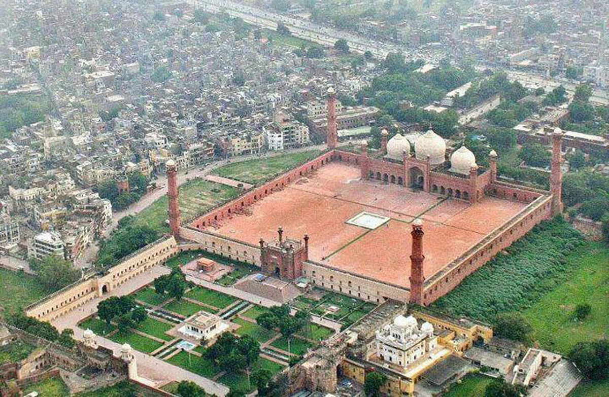 badshahi+mosque-lahore-hd-wallpaper-lahore-places.jpg