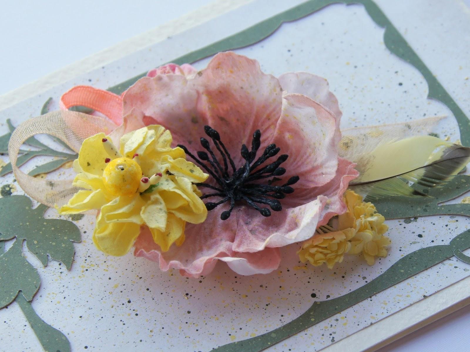 цветы, ленточки, перья