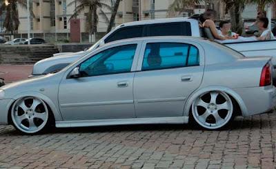 """Astra Sedan Rebaixado rodas 20"""""""