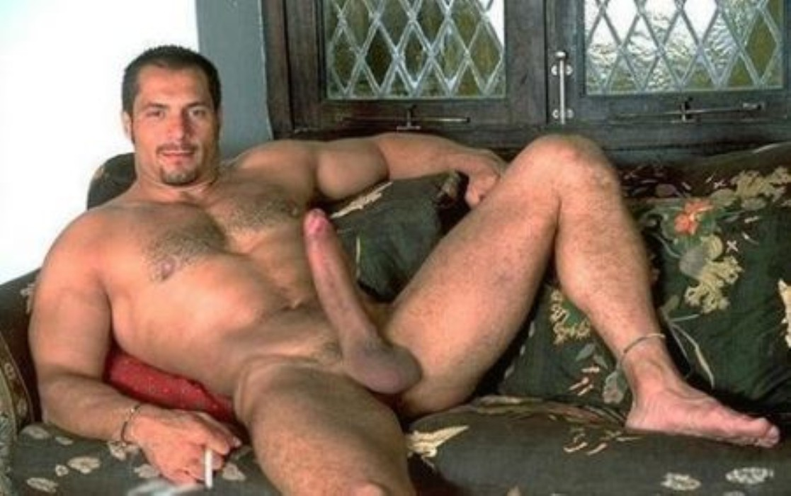 Huge dick gay porn