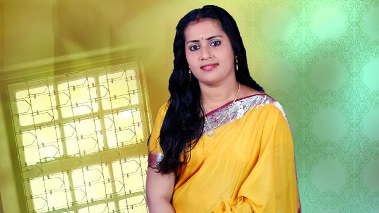 Serial Actress Gallery Greeshma Thalassery Malayalam Tv
