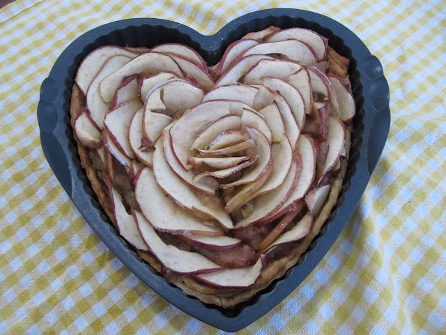 Crostata di mele e rosmarino