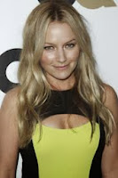 Weird Loners - Becki Newton joins cast