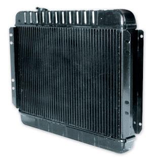 افحص مبرد المحرك الرداتير و تزويد المياه باللديتر
