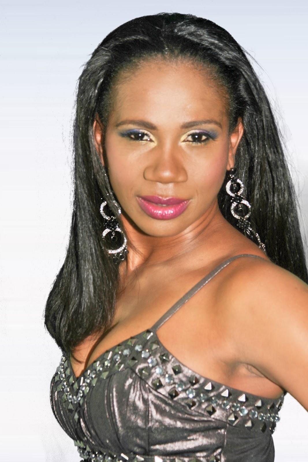 http://2.bp.blogspot.com/-4ONUgznDCJs/T_seWQC723I/AAAAAAAAAFg/8hFkBWiFcBA/s1600/Sophia+Brown+1.jpg
