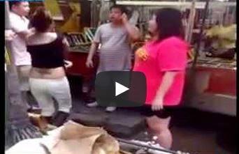 Klip Video Wanita Iran Buka Baju di Petaling Street