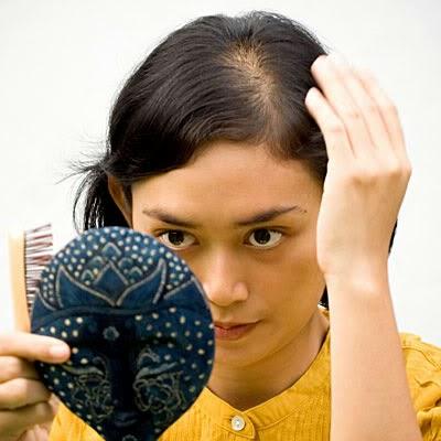 perawatan rambut berminyak menipis natural