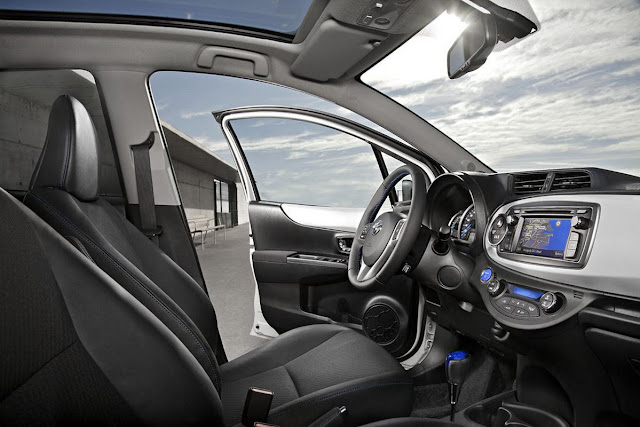 Toyota Yaris HSD (ibrida) - interni