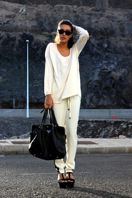 pantalón sport blanco y negro