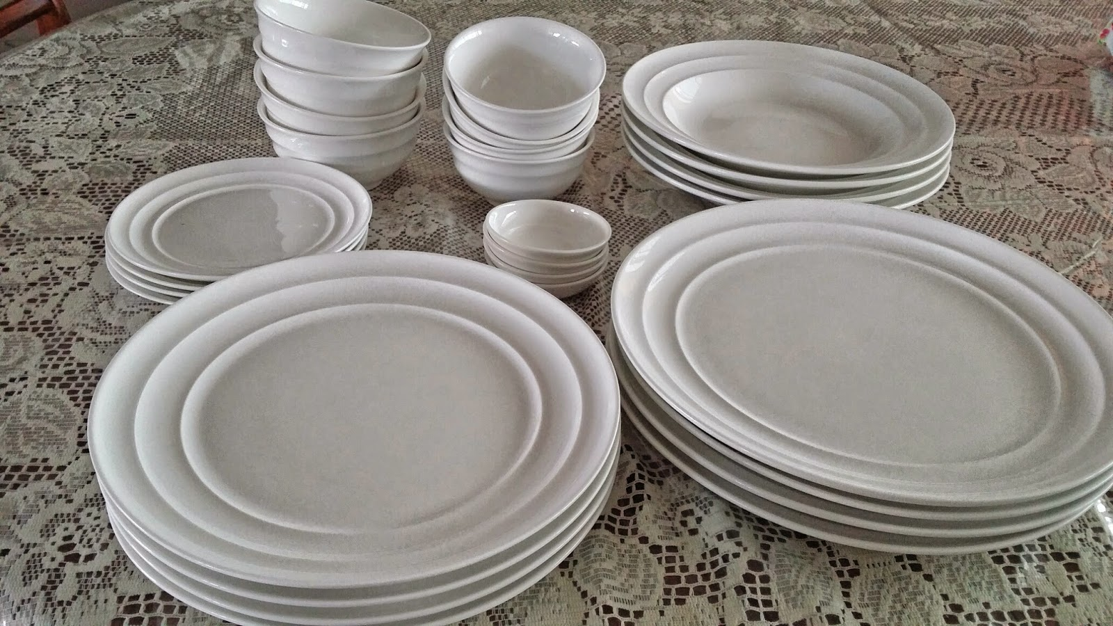 Mille feuille tsp win 28 piece dinner set for Plain white plates ikea