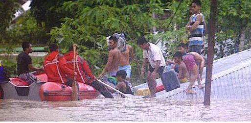 Dalam Suasana Ramadhan Kota Kendari dikepung Banjir