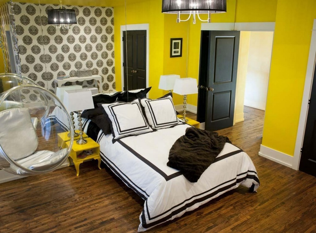 Meg made creations decorating with accent colors accent for Yellow painted rooms