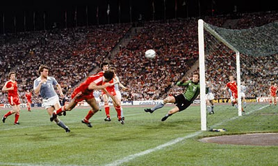 Nottingham Forest beat Malmo to win the European Cup