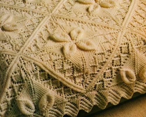 Professione donna lavori a maglia la coperta di lana bianca for Piccoli piani di coperta