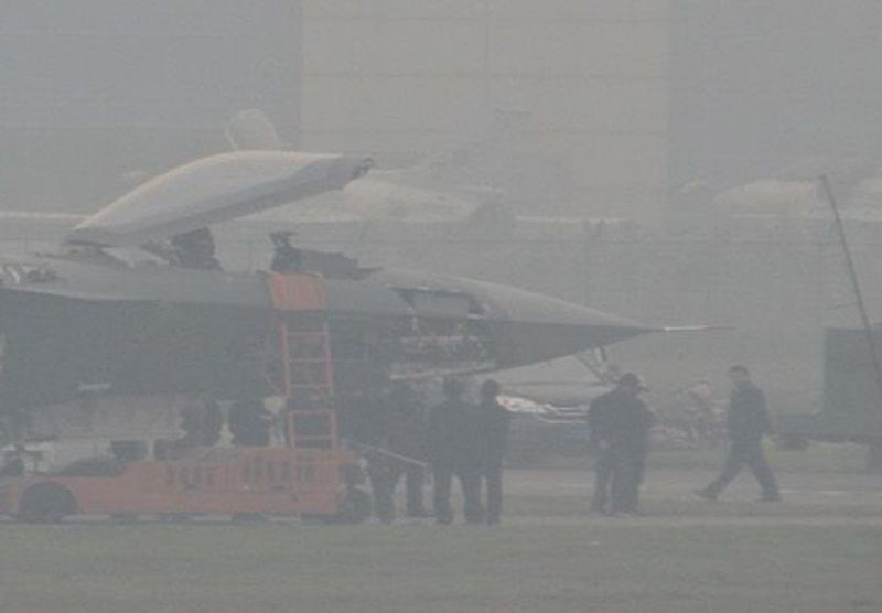 Más detalles del Chengdu J-20 - Página 9 Chinese+J-20+Mighty+Dragon++2003+Chengdu+J-20+fifth+generation+stealth,2002+AESA+RADAR+third+fighter+aircraft+prototype+People's+Liberation+Army+Air+Force++OPERATIONAL+weapons+aam+bvr+missile+ls+pgm+gps+(1)