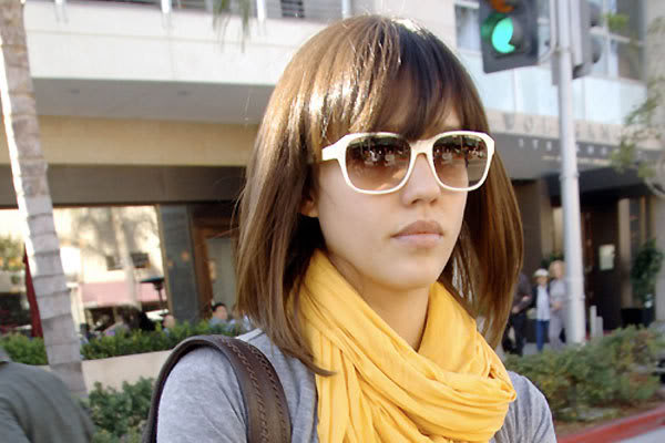 Jessica Alba Hair Colour. jessica alba short hair updo.
