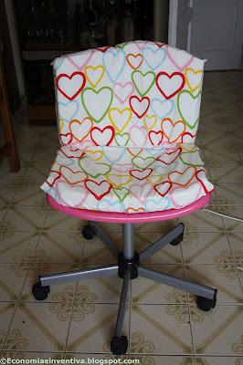 Economia e inventiva foderare una sedia di plastica snille di ikea - Sedia plexiglass trasparente ikea ...