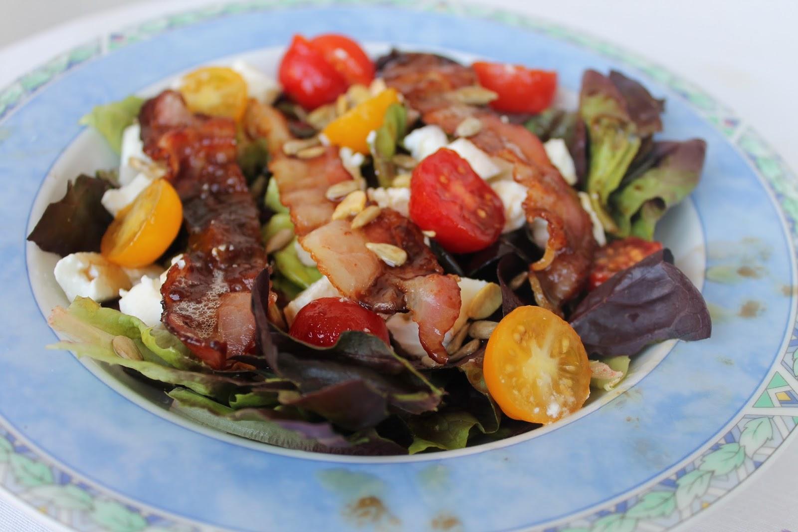 Mam en la cocina ensalada de lechuga tomatitos y bacon - Diferentes ensaladas de lechuga ...